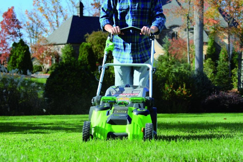 GreenWorks-25302-Twin-Force-G-MAX-Lawn-Mower